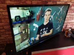 Título do anúncio: Tv Phillips 46 polegadas em ótimo estado