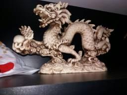 Escultura dragao