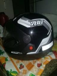 Título do anúncio: capacete novo