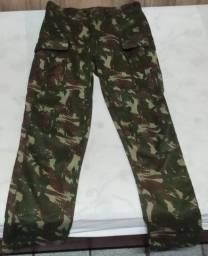 Título do anúncio: Calça Camuflada Exercito Seminova TAM 42
