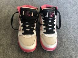 Título do anúncio: Tênis Nike rosa TAM 35/36 - aceito propostas