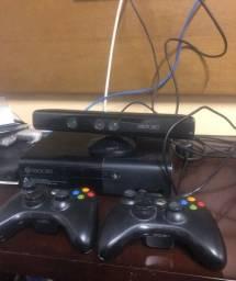 Título do anúncio: Xbox 360 + kinect + 2 controles + jogos