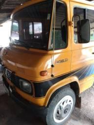 Título do anúncio: Caminhão 608 carroceria