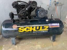 Título do anúncio: Vendo ou troco compressor de 40 pés marca Schulz