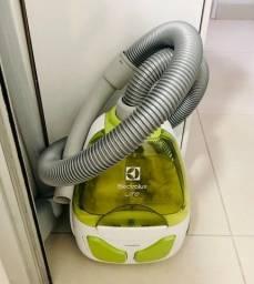 Título do anúncio: Aspirador de Pó sem Saco 1400W Lite Electrolux - 110V - Usado