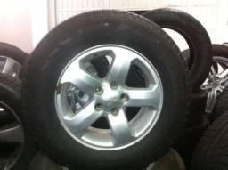 1 Roda Pajero TR4 2009/2010/20111/2012/2013 + 1 pneu Pirelli scorpion 225/70/16