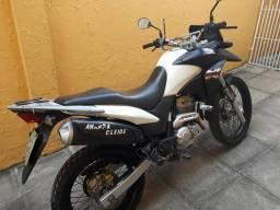 Moto XRE - 2015