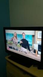 d0963886b Tv cce com conversor digital integrado.