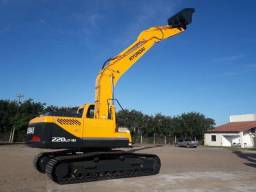 Escavadeira Hyundai R220 Lc 9S 2017 serie 8