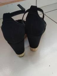 Vendo essa linda sandália número 36