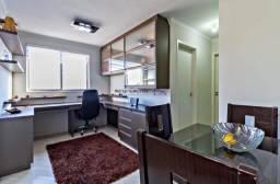 Quarto em apartamento mobiliado