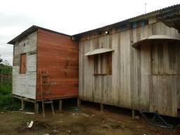 Vendo essas madeiras e telhas usadas