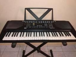 Vendo teclado semi-pro csr-2177,com 10 meses de uso