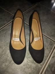 Sapatos social feminino Carmen Steffens e vizzano novas