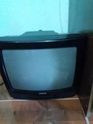 TV e celular vendo ou troco