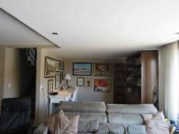 Casa ampla no Guabirotuba. 4 quartos. Piscina