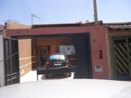 Casa à venda, 2 quartos, 2 vagas, Parque Planalto - Santa Bárbara D'Oeste/SP
