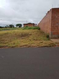 Vendo terreno plano 10×30 no campo belo pego carro e moto