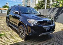 Hilux SW4 SRV 3.0 4x4 2013  07 lugares