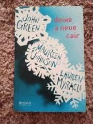 """Livro """"Deixe a neve cair"""""""