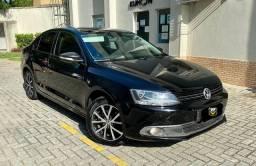 Volkswagen Jetta 2012 - Entr. 11k + 699 reais