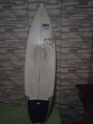Título do anúncio: Prancha de surf com as quilhas