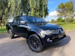 Título do anúncio: L200 triton hpe 3.5 automatica 4x4 pneus novos com GNV 5 geraçao ch copia manual