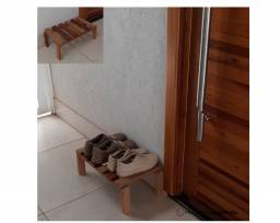 Mini sapateira em Madeira maciça por R$ 50,00