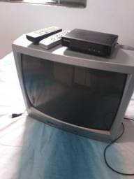 Título do anúncio: Vendo cama solteiro e tv com conversor