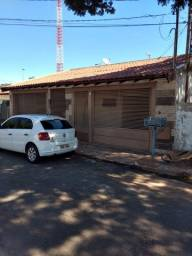 Título do anúncio: Linda Casa Maria Aparecida Pedrossian, com 3 quartos com Quintal