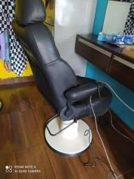 Título do anúncio: Vendo barato cadeira de barbeiro base marca gerante