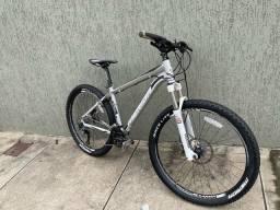 Título do anúncio: Bike Mtb Merida 500 aro 26 tamanho P Shimano Deore XT e Suspensão com Trava