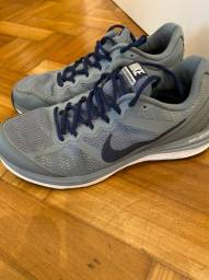 Título do anúncio: Tenis Nike Dual Fusion Run 3 - 653596-009 - Tamanho 41