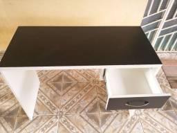 Título do anúncio: Mesas preta com branco a pronta entrega MDF
