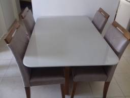 Mesa na pintura laka e madeira de 4 lugares