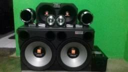 Vendo um som muito novo, e potente e de ótima qualidade sonora !