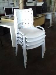 Cadeiras Iso empilhavel por apenas 49,90 cada