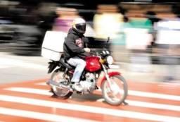 Precisa-se de motoboy para delivery de pizza em BC