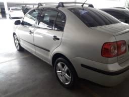 Volkswagen Polo Sedan 1.6 2009 / 2010 Completo Único Dono - 2010