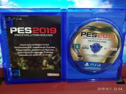 Jogo Pro Evolution Soccer 2019 PS4, 30 reais!!!
