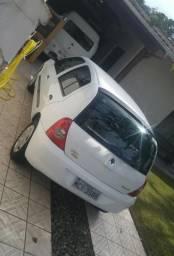 Renault Clio Autentique 1.0 - 2007