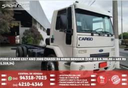 Ford cargo branco 1317 ano 2009 chassi R$ 60900 98900km (ent. R$18.300,00 +48×R$1.319,54) - 2009