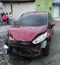 Fiesta 1.6 14/15 Automático - 2014