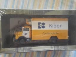 Miniaturas de carrinho Caminhão da Kibon