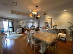 Amplo apartamento, luxo com 5 dormitórios no centro de Foz!