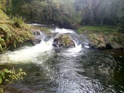 Imóvel com Lindo Rio e Mata Nativa Preservada
