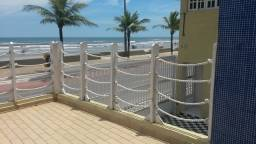 Casa em Condomínio de frente para o mar