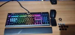 Teclado Mecânico Gamer Corsair Strafe MK.2 RGB, Switch Cherry MX Red, ABNT2