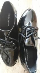 Título do anúncio: sapato estiloso confortabilísismo e chique em tamanho 39