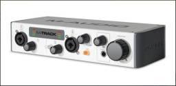 Título do anúncio: Interface M-Audio M-Track II - Temos Guitarra SX com Captação Gibson Zakk Wylde 81+85 EMG